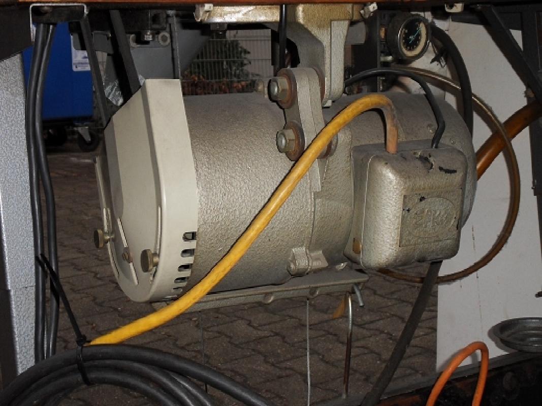 singer 992b45 3 faden industrie overlock nähmaschine  ~ Nähmaschine Industrie Gebraucht
