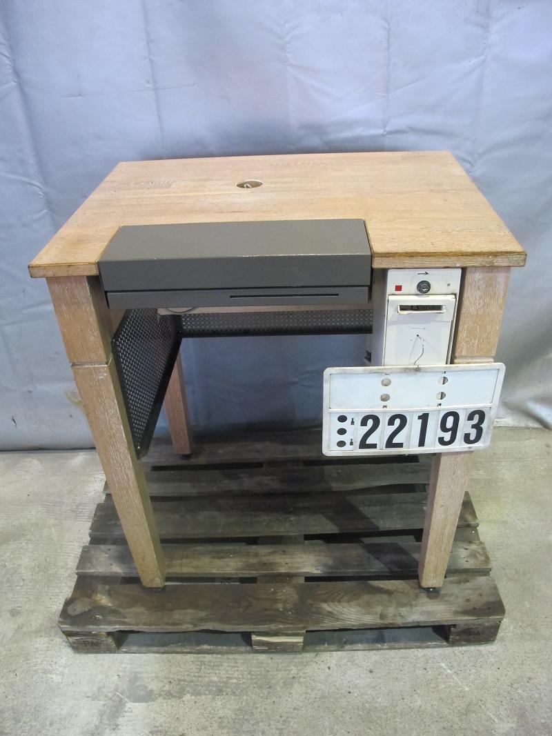 edelstahltisch edelstahl arbeitstisch servicetisch auf rollen 22190 ebay. Black Bedroom Furniture Sets. Home Design Ideas